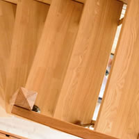 Prijs trap vergelijk kostprijs 6 soorten trappen for Steektrap hout